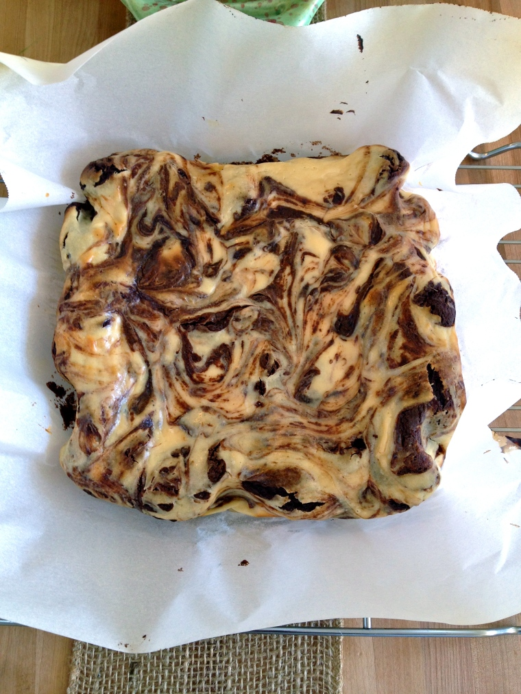 Marbled Cheesecake Brownies | KellyintheKitchen